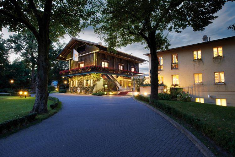"""Gourmet-Restaurant  """"Friedrich Wilhelm"""" im  Relais & Châteaux Hotel  Bayrisches Haus Potsdam"""