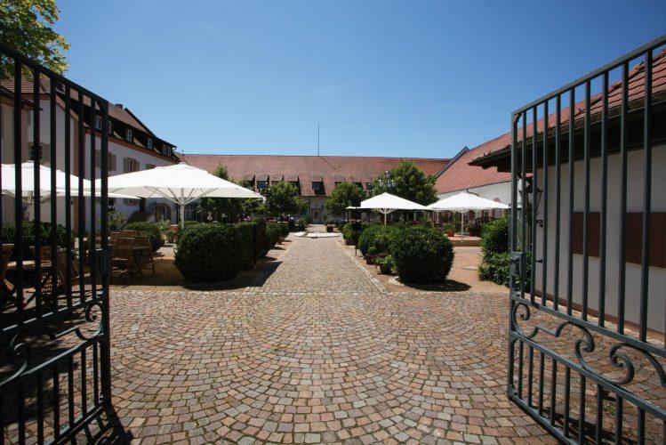 """Hotel Schloss Reinach**** & Restaurant """"s Herrehus"""""""